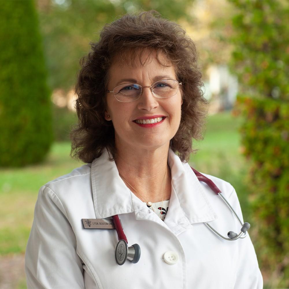 https://www.scottscreekanimalhospital.com/wp-content/uploads/sites/10/2020/10/Dr-Lysa-Deaton-Smith.jpg